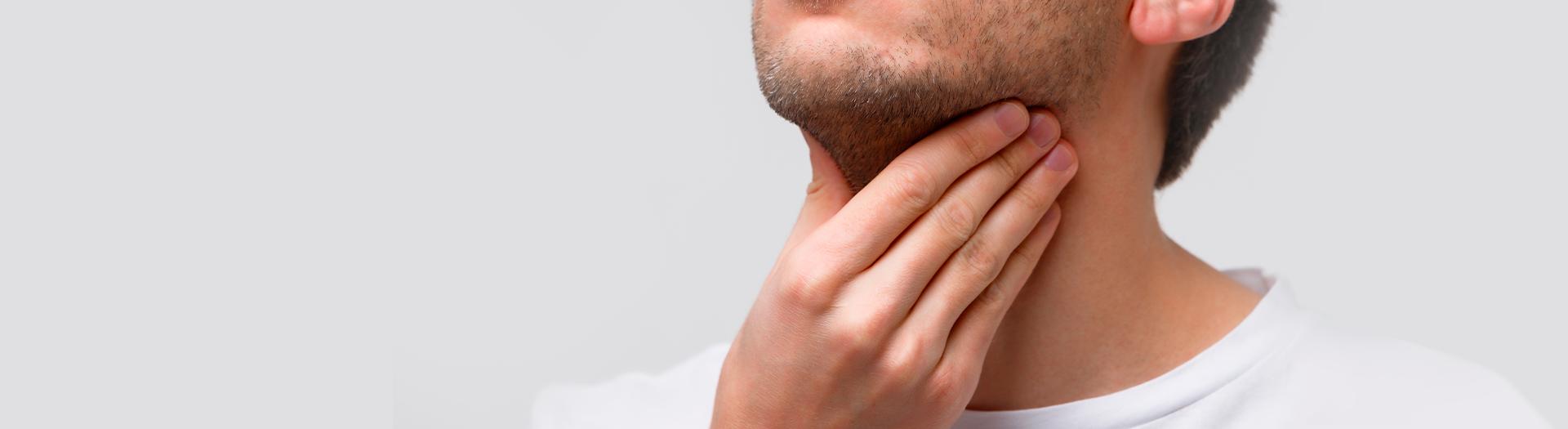 Angina bakteryjna – objawy, metody leczenia. Jak rozpoznać rodzaj anginy?